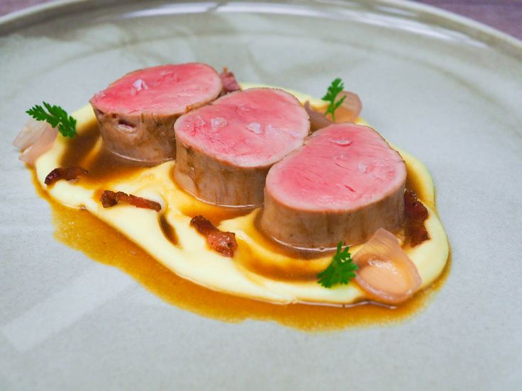 Pork tenderloin with potato purée, smoked bones sauce and pickled shallots | Oh My Chef