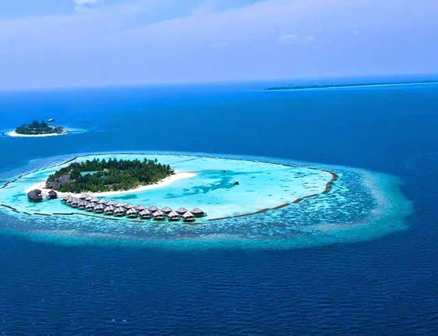 Vakarufalhi Island Resort - luxury resort in Maldives. Watch http://destinations-for-travelers.blogspot.com.br/2015/02/vakarufalhi-island-resort-maldives.html