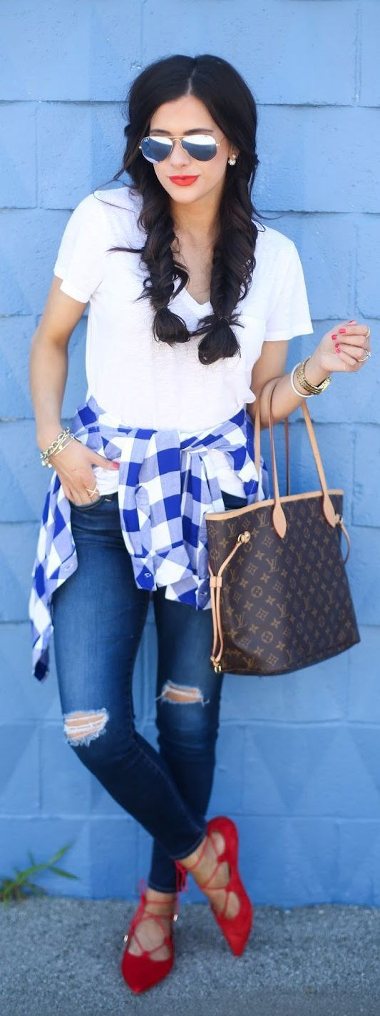 Striped backless tshirt, white bralet, high waisted jeans and yellow bag or white and red checkered shirt, high waisted jeans, yellow bag. Styled like this pic.