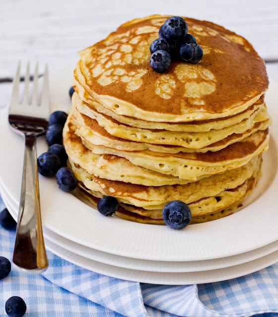 Sips and Spoonfuls: Fluffiest Pancakes Ever