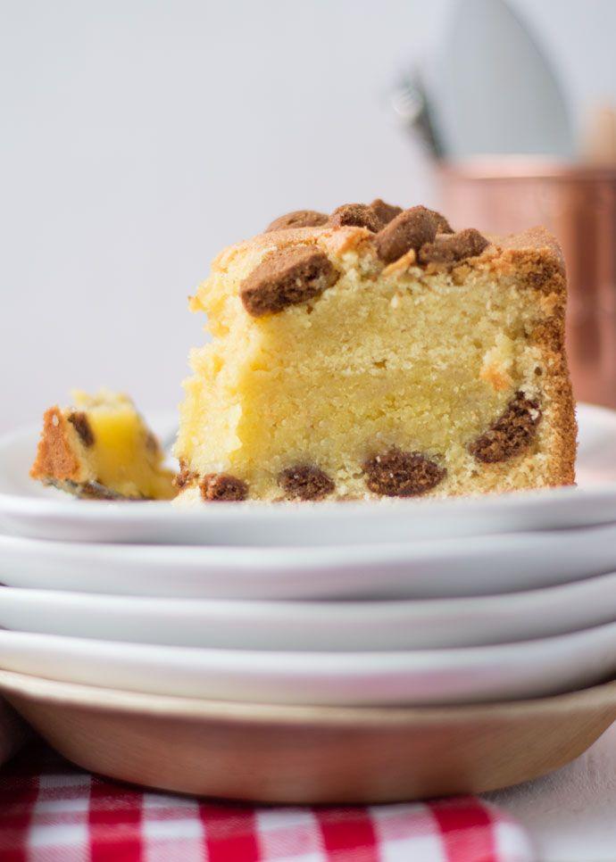 Gevulde cake met pepernoten en amandelspijs