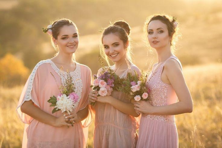 Los pajes y damas de honor desempeñan un papel de gran significado en el cortejo nupcial. Descubre en qué consiste el rol de cada uno en esta importante tradición.
