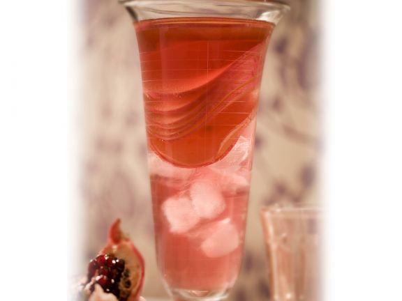 Appletini mit Granatapfel ist ein Rezept mit frischen Zutaten aus der Kategorie Kernobst. Probieren Sie dieses und weitere Rezepte von EAT SMARTER!