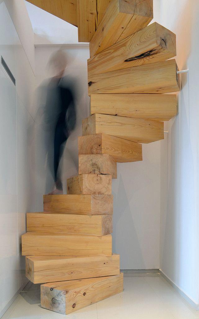 Escalier bois massif : j'aime toujours les marches mais ce n'est pas la forme d'hoc