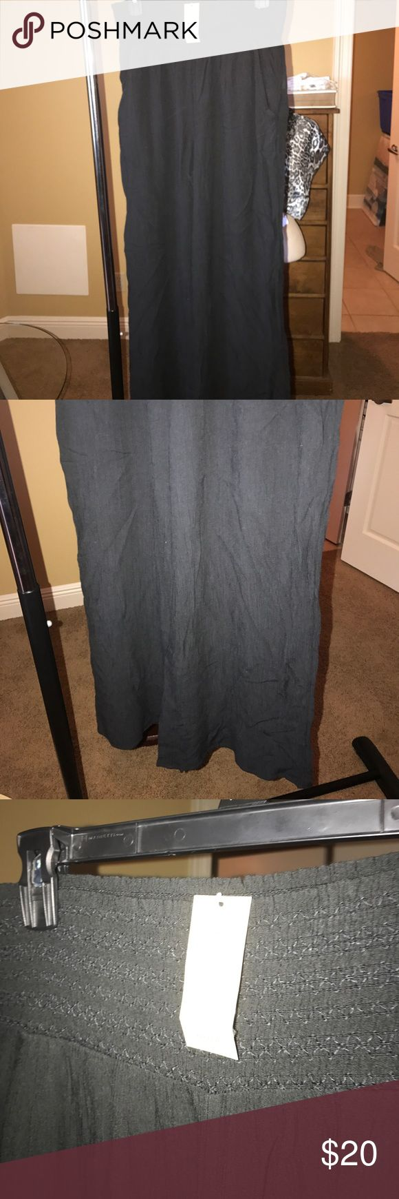AEO NWT Wide Leg Soft Pants The MSCloset strives to provide you with quality items. We are a family business established in 2014. We accept returns on NEW ITEMS ONLY, with exception of underwear. We provide the clothing manufacturers size, which may differ from actual wear. American Eagle Outfitters Pants Track Pants & Joggers