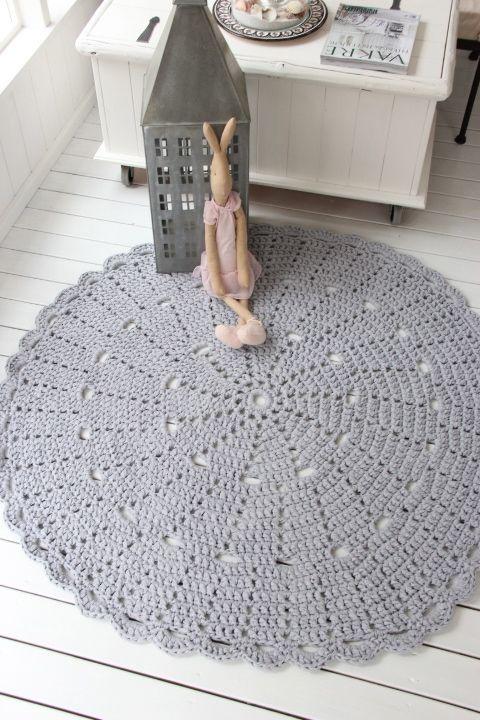 Virkattu matto 130cm (ontelokude vaaleanharmaa)