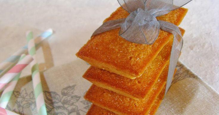 Petit gâteau  rectangulaire , moelleux  et fondant , le financier a la couleur d'un lingot d'or . La petite histoire de la pâtisserie...