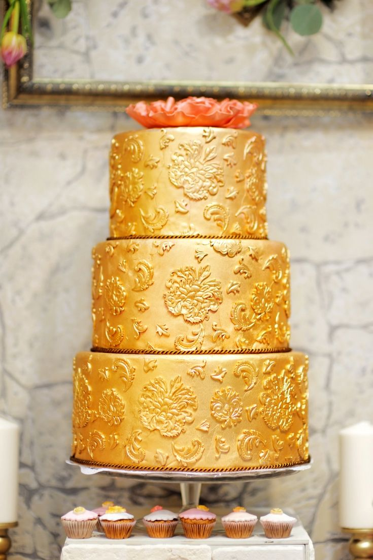 Wedding Cakes Up-to-date Design At This Moment - Choose On Them For ...