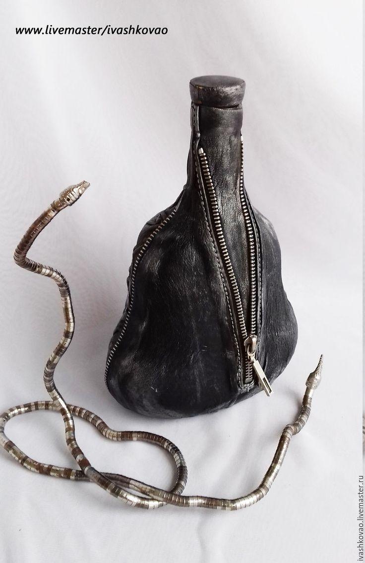 Купить Бутылка РОК - подарок мужчине, черный, кожа натуральная, бутылка…