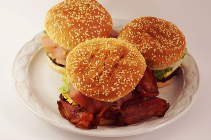 Tocino y más tocino! por algo se llama carnívora, de Bongo's Burger