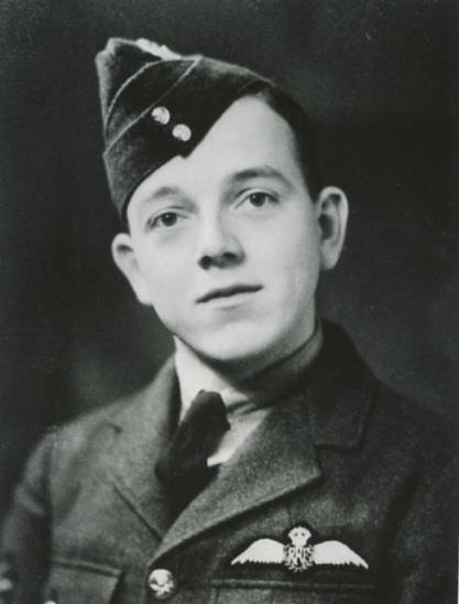 Denis Norman Robinson was posted to 152 Squadron at Acklington on 21st June 1940. He destroyed a Me109 on 25th July and destroyed another on 5th August. He was shot down by Me109's of III/JG53 off Swanage on the 8th in Spitfire K9894. Robinson decided against baling out and made a crash- landing in a field near Wareham (see below). He was unhurt but the aircraft was a writeoff. On 15th August he claimed a Me109 destroyed, on the 17th a Ju87 and on 4th September a Ju88.