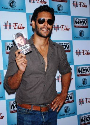 Milind Soman - the one and only male supermodel from India worth drooling over .. !