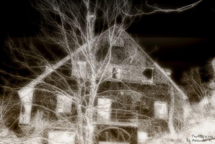 https://flic.kr/p/pEcVLU | House with the tree Parnitha