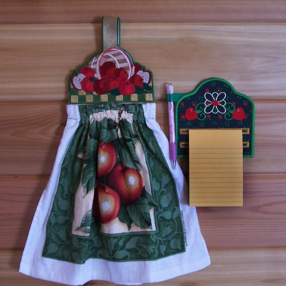 Kitchen Apple Set Towel Topper and by CountryTrlCollection on Etsy, $15.95: Kitchens Apples, Plate, Apples Sets