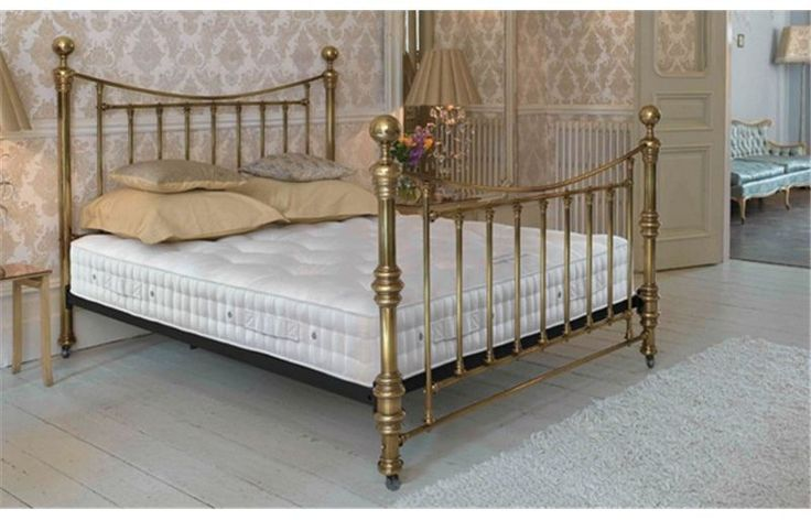 Vispring Bedstead Imperial Mattress - The Vi-Spring Bedstead Imperial has three rows of genuine hand side stitching, a layer of honey-comb nested springs in individual calico pockets, and luxurious upholstery of British fleece wool, horsehair and cotton - together, they added up to a superb sleep experience
