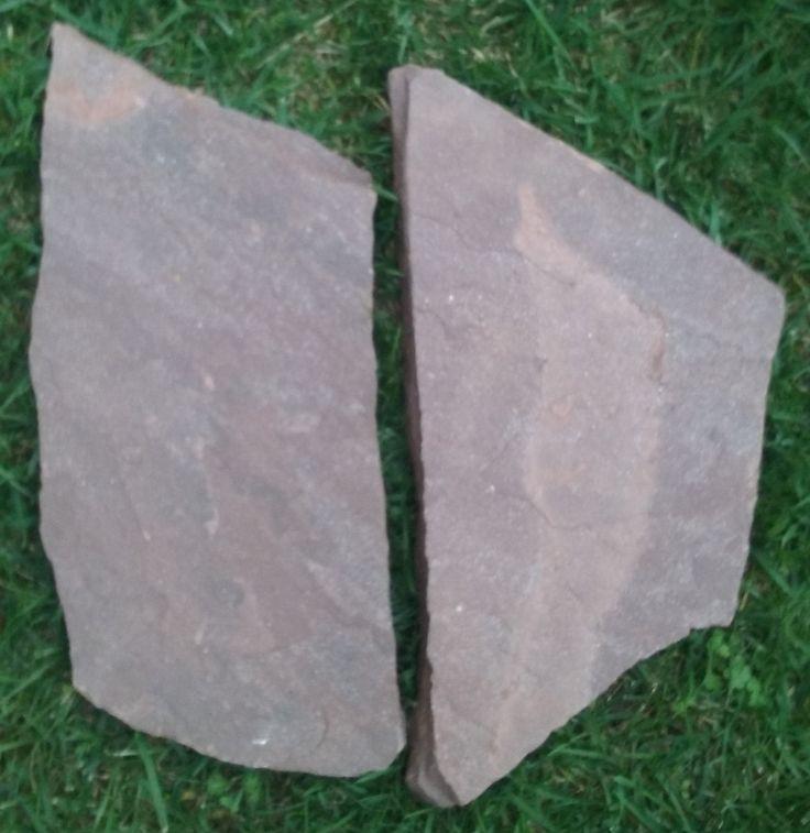 Losa irregular de piedra arenisca de 3 a 4 cm. Pavimentos, jardines, piscinas. Piedra fría y antideslizante