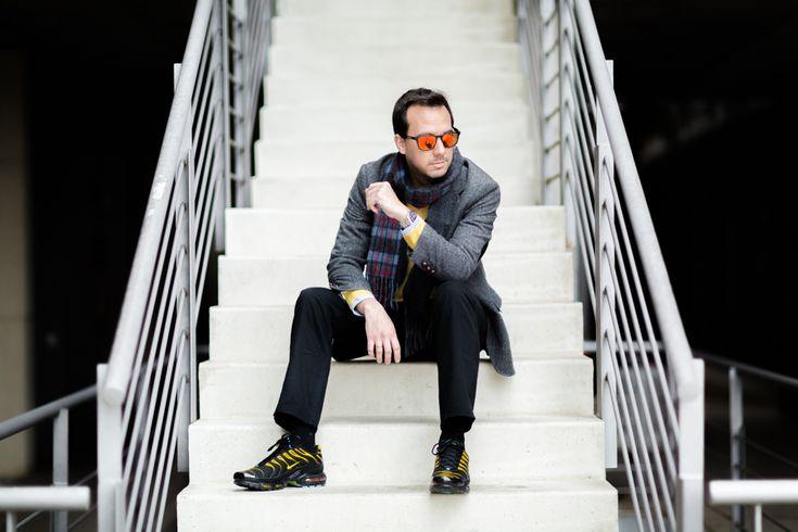Crimenes de la Moda Menswear Blazer: Scalpers Jersey: Brooks Brothers Camisa: Brooks Brothers Pantalón: Primark Deportivas: Nike Foot Locker Reloj: Rolex Bufanda: Burberry Gafas: Vision 1 Optical