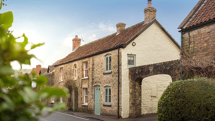 A gorgeous former Victorian chemists, Apothecary Cottage is a luxury self-catering holiday cottage in Somerset #dog #dogfriendly #somerset #cottage #holidayhome #boutique #luxury