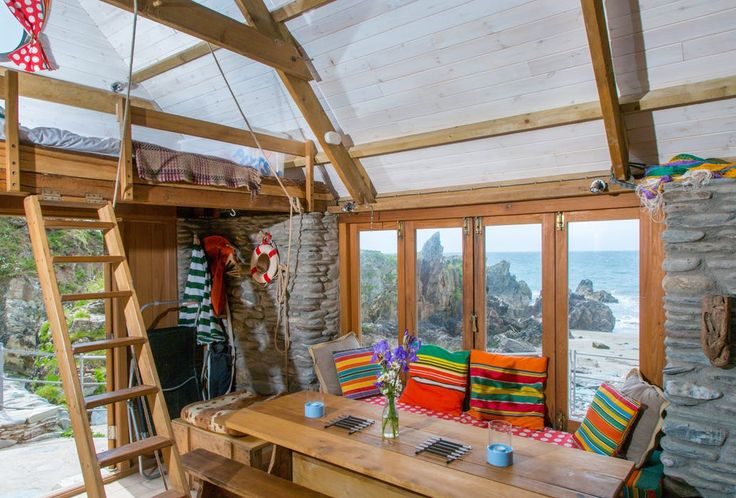 Delightful off-grid South Devon beach hut in the most jaw dropping location with a hot tub, barbecue and its own private beach - The ultimate romantic bolthole.
