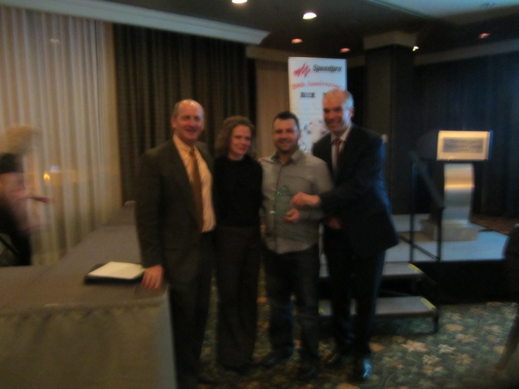Vincent of Speedpro Laurentides in Quebec accepts the Speedpro 'Fast Start' award!  Well Done!