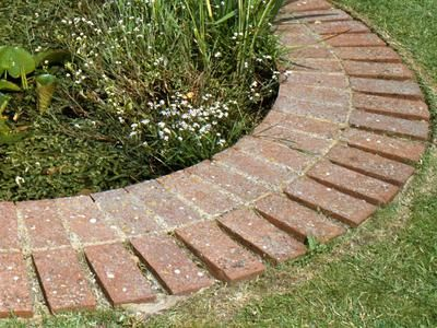 Best 25+ Brick Edging Ideas On Pinterest | Brick Garden Edging, Flower Bed  Borders And Lawn Edging