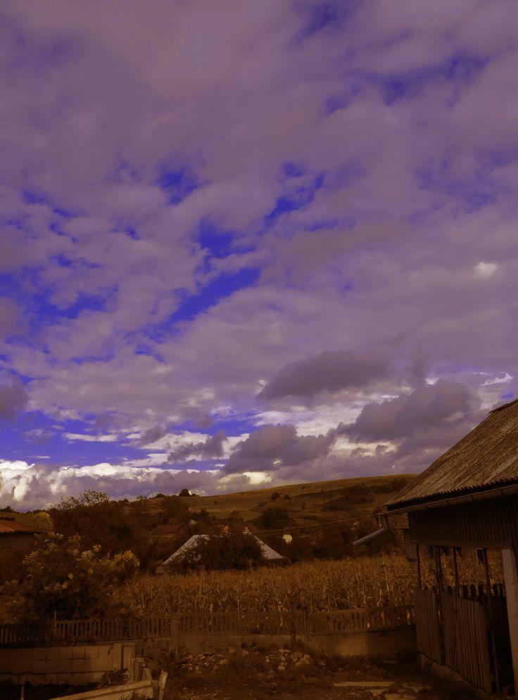cer albastru printre nori.2