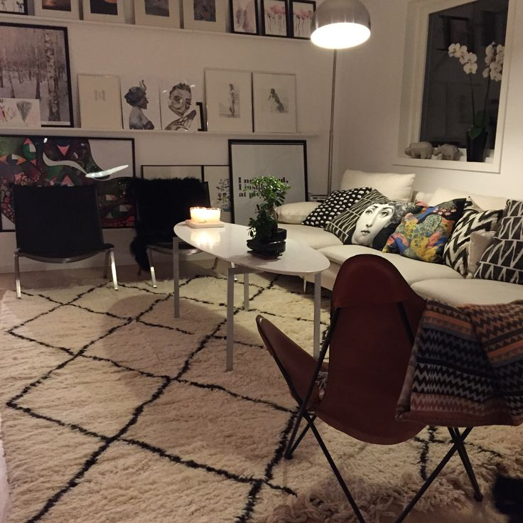 Livingroom with My recently purchased Beni ourain rug.