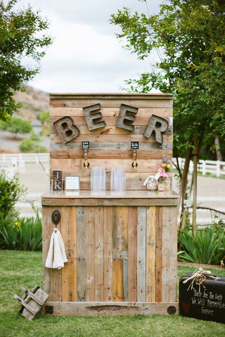 Serve-yourself stations are popping up at weddings everywhere, but especially at rustic celebrations—likely due to the recent rise of the craft beer scene.