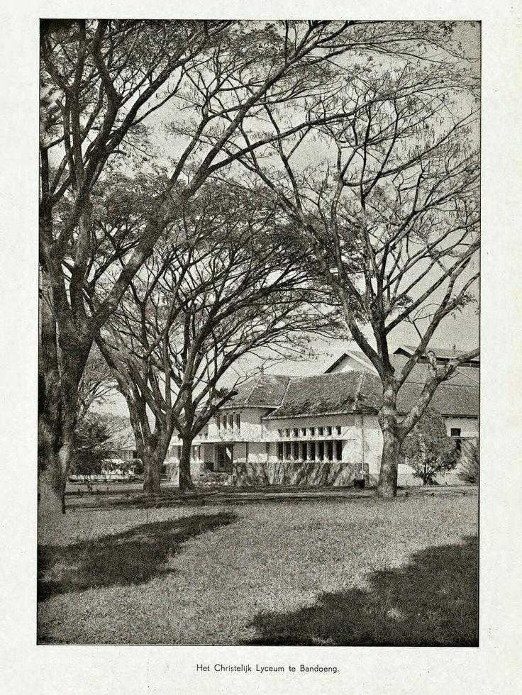 Het Christelijk Lyceum te Bandoeng circa 1940.