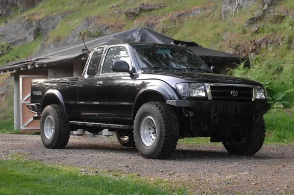 "Skye's 2000 Toyota Tacoma 4WD ""Supercharged"" - AutoShrine Registry"