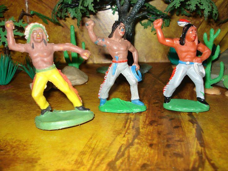 3 DDR Indianer - Gummi - graue & gelbe Hose - Cowboy - Western Figuren | eBay