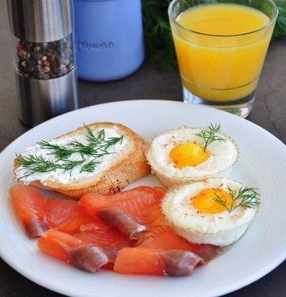 Яйца в корзинках — быстрый завтрак | Kurkuma project (Проект Куркума) Очень красивый и быстрый завтрак за 10 минут - побалуйте себя и своих близких.