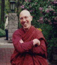 Venerable Bhikkhu Bodhi - (Jeffrey Block) (1944 - ) es un monje budista estadounidense ordenado en Sri Lanka. Fue el segundo presidente de Buddhist Publication Society y ha sido editor y autor de muchas publicaciones relacionadas con la tradición budista Theravada.