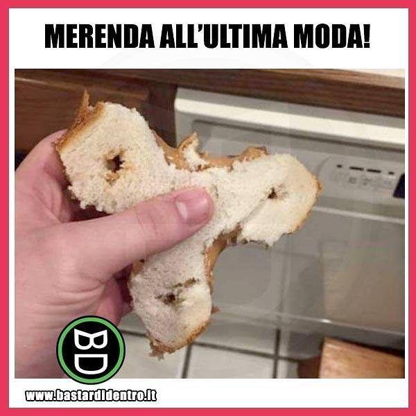 Fidget sandwich? Seguici su youtube/bastardidentro #bastardidentro #perfettamentebastardidentro #fidgetspinner #pane www.bastardidentro.it