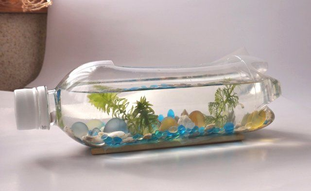 ペットボトルの水槽作り方 メダカ稚魚飼育におしゃれなボトルアクアリム まるまる録 メダカ 稚魚 メダカ 水槽 おしゃれ