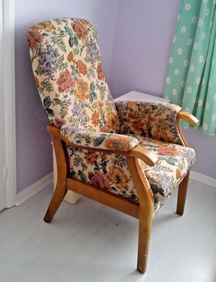 Tapestry Fireside Chair in beautiful OAK Wood and Floral leafy design.
