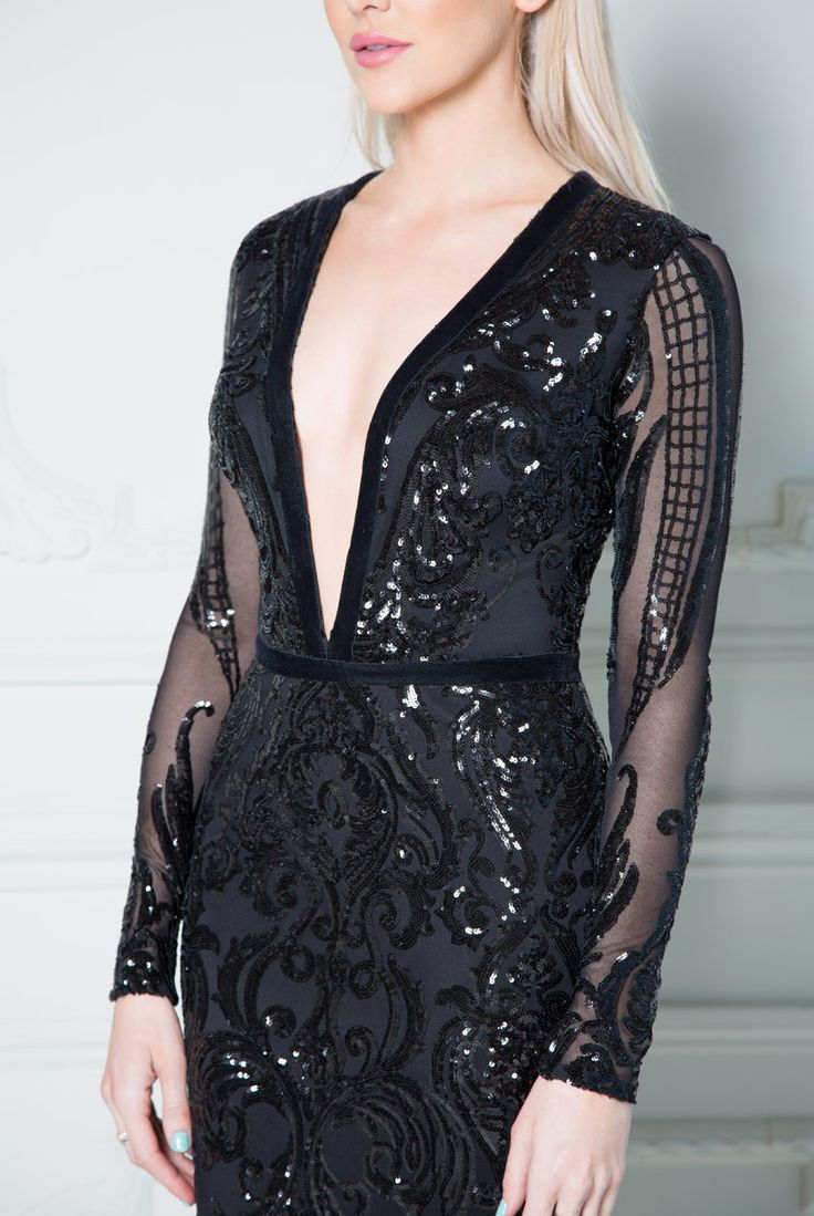 This glamorous maxi dress by Stephanie Pratt from her Autumn/Winter collection is perfect for any special event. With its beautiful sequin embroidery covering the whole of the dress you are guaranteed to make the most stylish entrance. Wear with high heel Stephanie Pratt – Deep V Neck Sequin Embroidered Maxi Dress – Black
