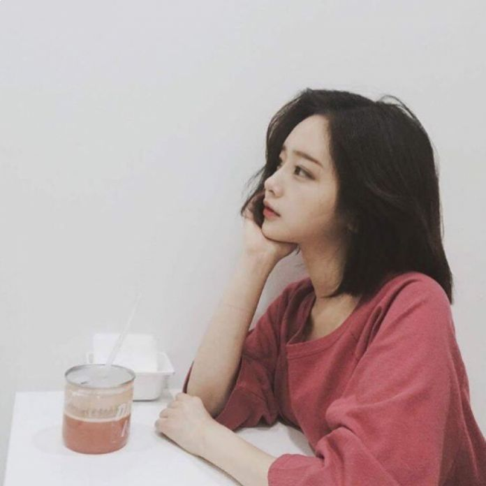 """4 cô nàng Ulzzang xinh đẹp, phong cách cực """"hot"""" ở Hàn Quốc"""