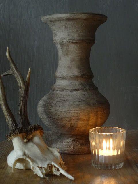 Landelijke vaas en potten maken met tegellijm en muurvuller.