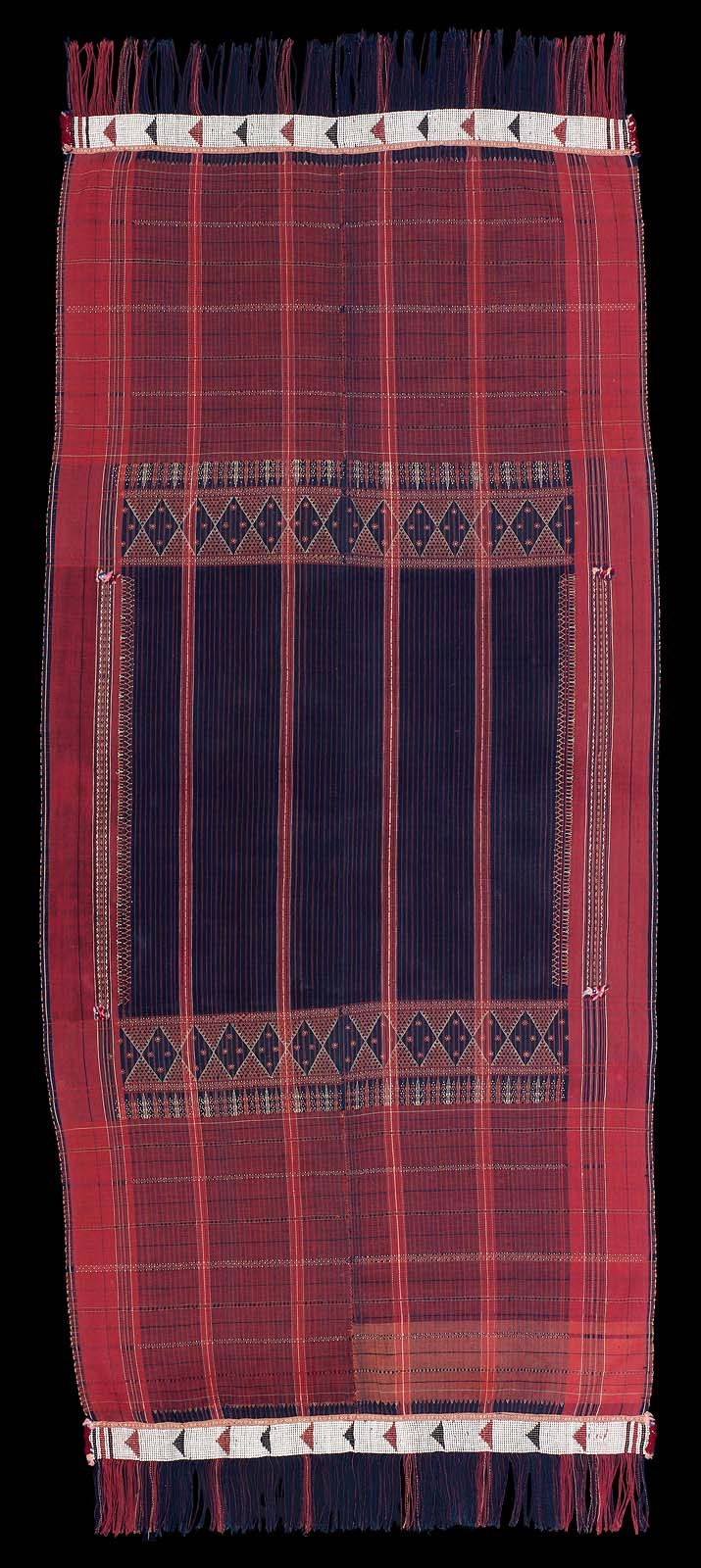 Indonesia | Sumatra, Angkola region | Ceremonial upper body wrapper (ulos godang) | early 20th century | 99 x 218 cm (39 x 85 13/16 in.) | Museum of Fine Arts, Boston