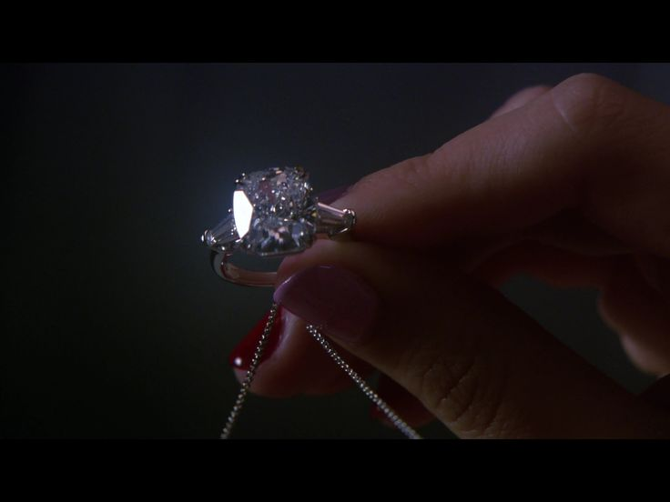 Blair Waldorf's engagement ring... Don't mind if I do(: | Gossip Girl ...