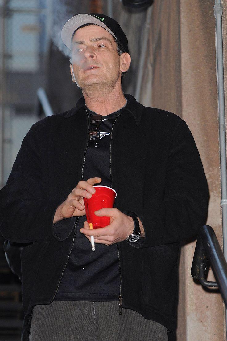 Charlie Sheen | Smoking Celebrities | Smoking celebrities ...