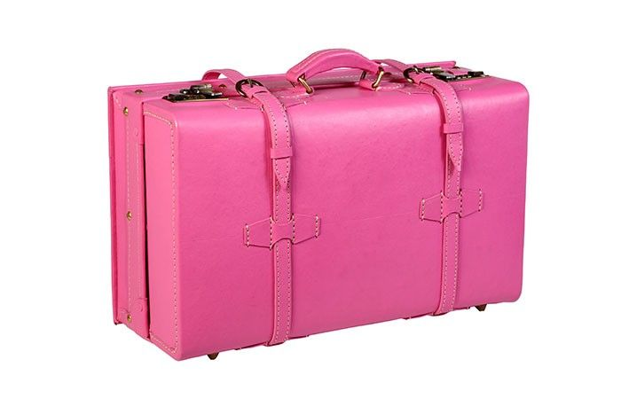 Pink Pont Des Arts Suitcase for $395.00 made from 100% cowhide vegetable-tanned Leather. Get it here http://www.alexfolzi.ca/pink-alex-folzi-suitcase.html