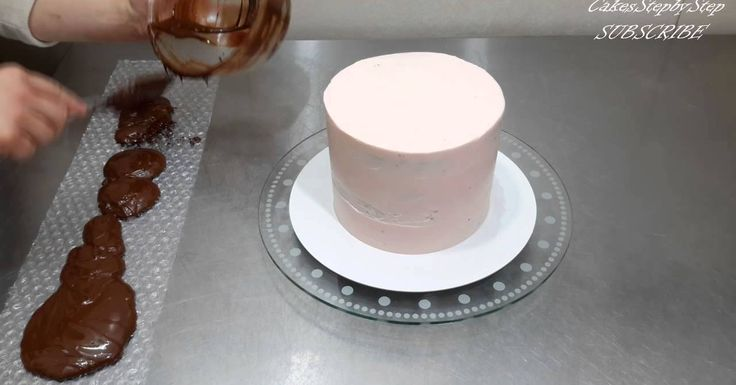Chocolate decoration for a cake