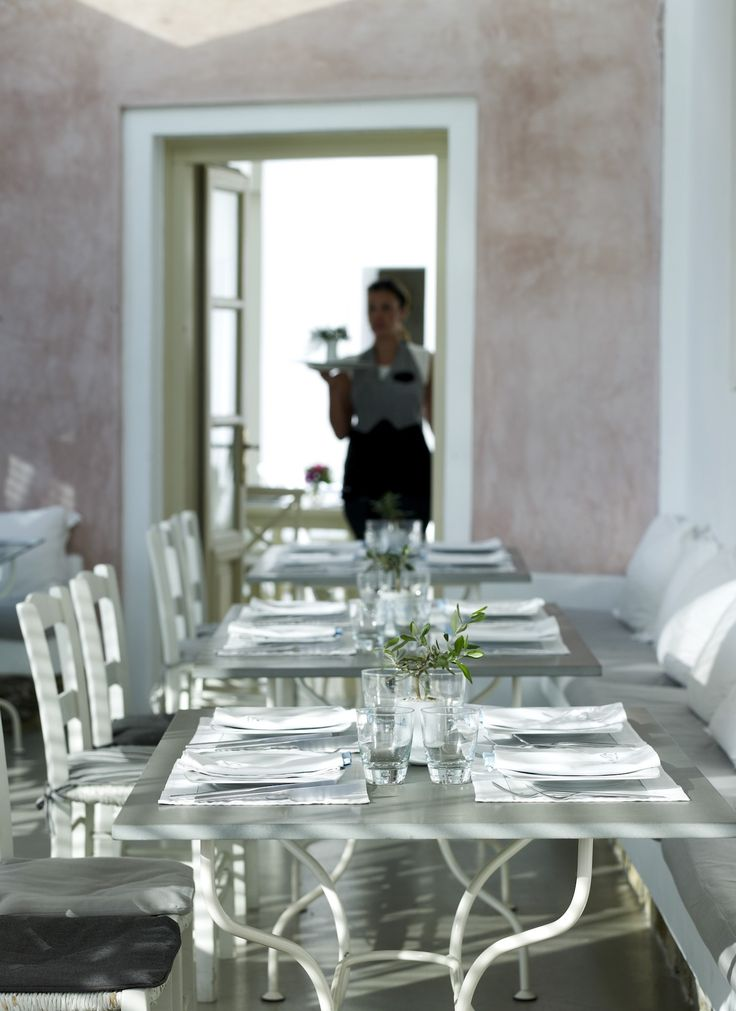 We go to great lengths to provide you with the best gastronomical experience you can have in Mykonos. Just leave it all to us and enjoy new and exciting tastes at our restaurant! http://www.semelihotel.gr/thioni-restaurant-mykonos/  Semeli #SemeliHotel #Mykonos #LuxuryHotel #SemeliMykonos