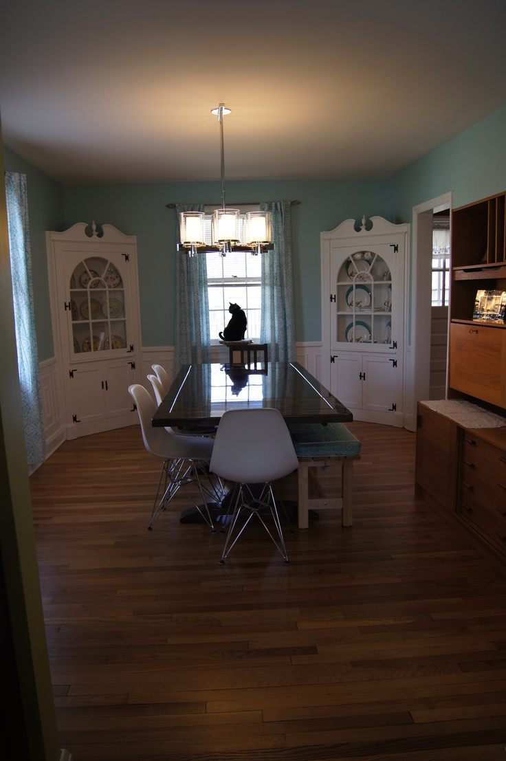 Built in china cabinet - Dining Room Has Built In China Cabinets