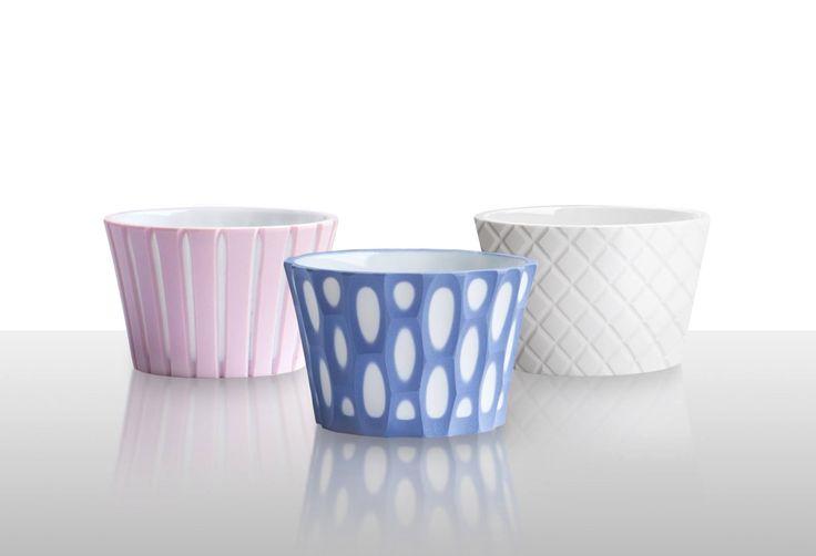 Cooperation with Monika Kořínková for the company Bomma  >>> Cut layer porcelain #BarboraŠimková #MonikaKořínková #Bomma #CutLayerPorcelain #keramika #porcelán #ceramic #porcelain #design #czech  Barbora Šimková http://barborasimkova.tumblr.com simkova24@gmail.com https://cz.pinterest.com/simkova24/barbora-šimková/