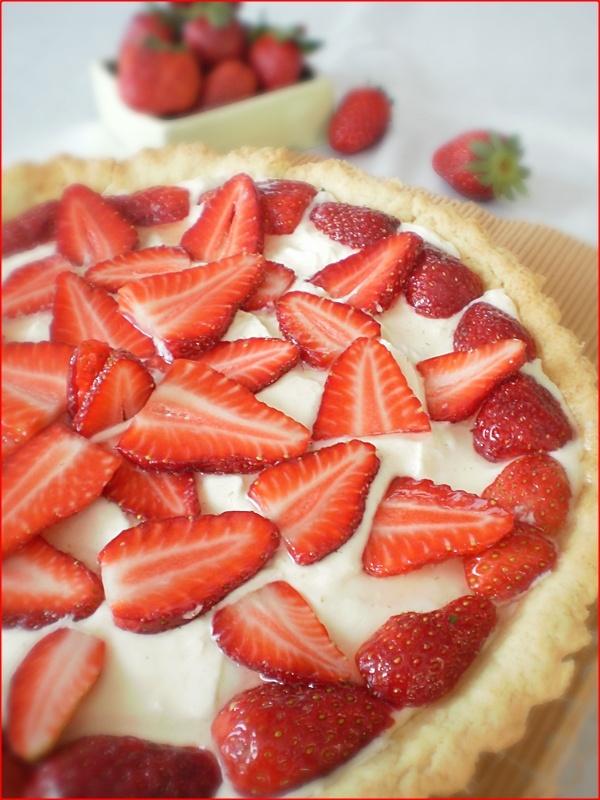 Tarta cu crema de vanilie si capsuni: Capsuni, Ingredients Aluat, De Vanilie, Praf, 250 Gr, Cream, Recipes, Vanilie Si, Cu Crema