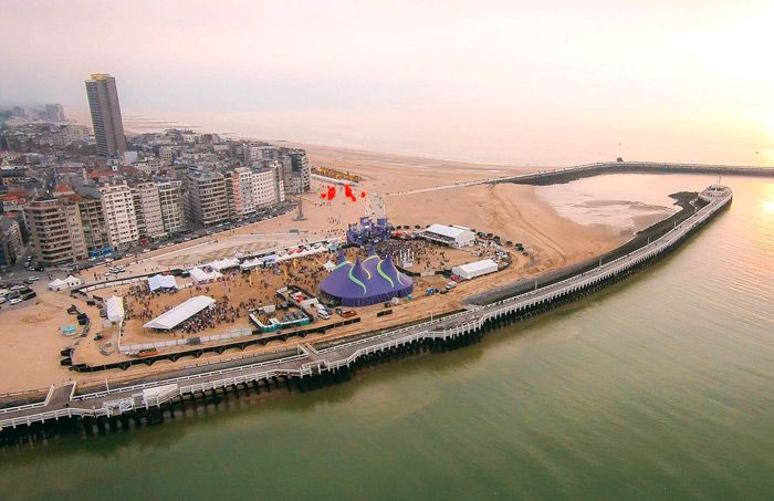 Ostend Beach - Fotografie Drone   by Skinn Branding Agency