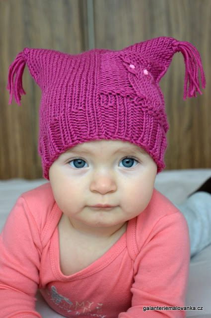 Baby owl hat free pattern in Czech. Virgin merino wool.
